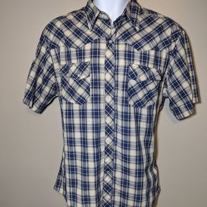 Wrangler plaid short sleeve shirt w/snaps  size L